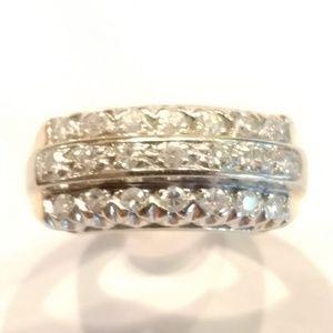 14K YELLOW GOLD ROUND DIAMOND Ladies Ring sz 5